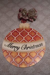 ornament-red-and-gold-with-merry-christmas