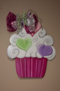 Cupcake - Conversation Hearts w Fuscia Base