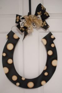 Horseshoe - Black w Tan Polka Dots