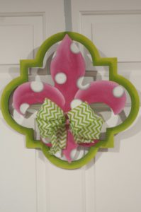 Fleur di Lis - Quatrafoil Pink with Green Border