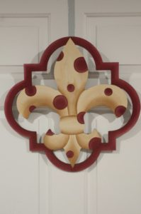 Fleur di Lis - Quatrafoil Tan with Maroon Border